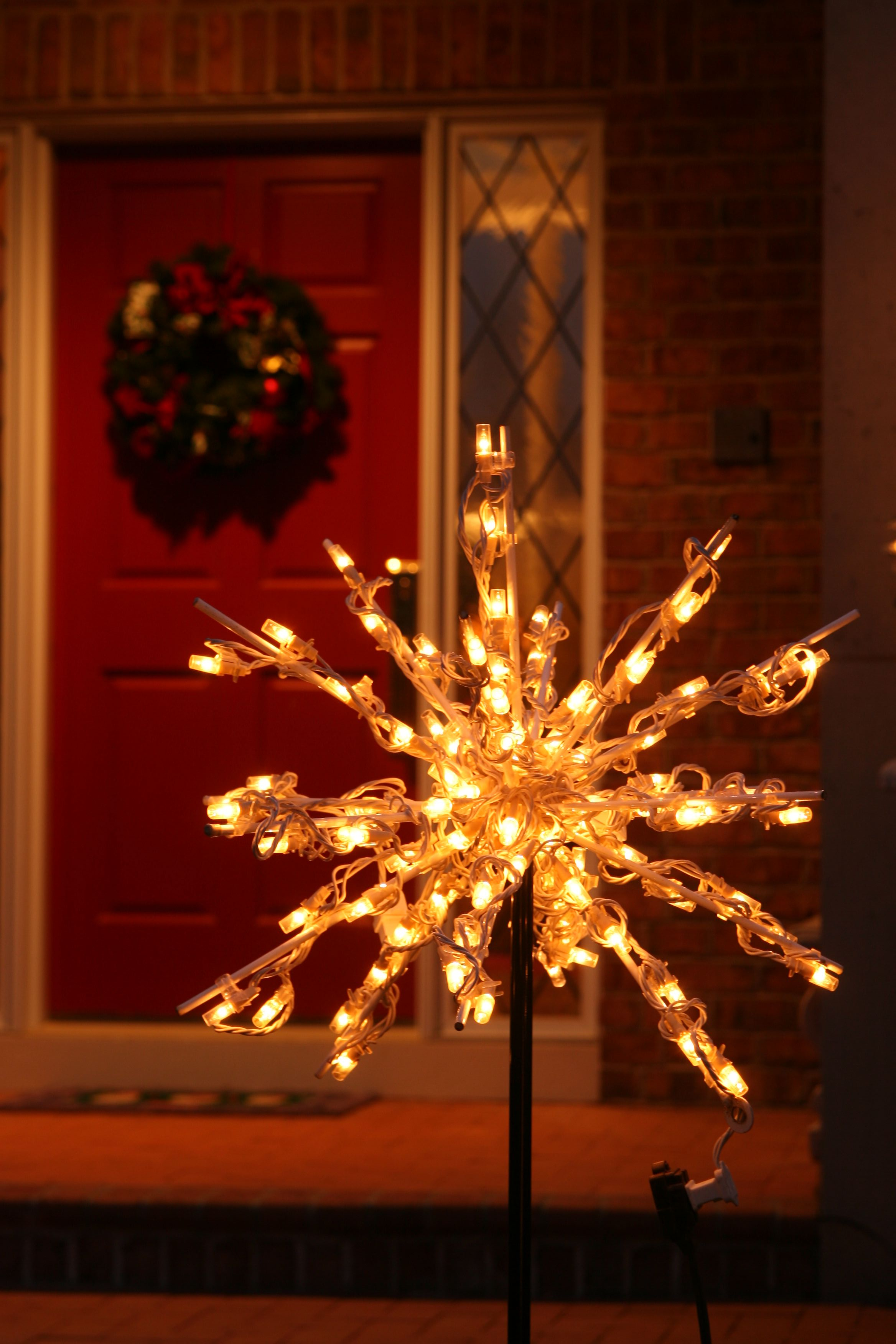 Starbursts liven up the holiday mood anywhere on your lawn.