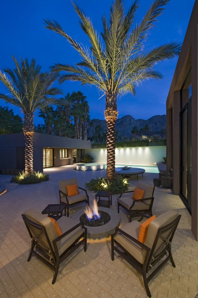 Tampa Bay outdoor lighting enhances your landscape and outdoor living space endeavors