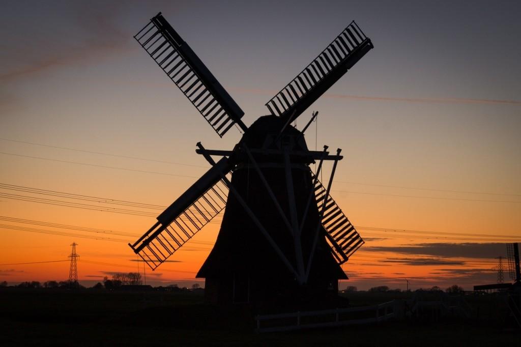 windmill-384622_1280 (1)