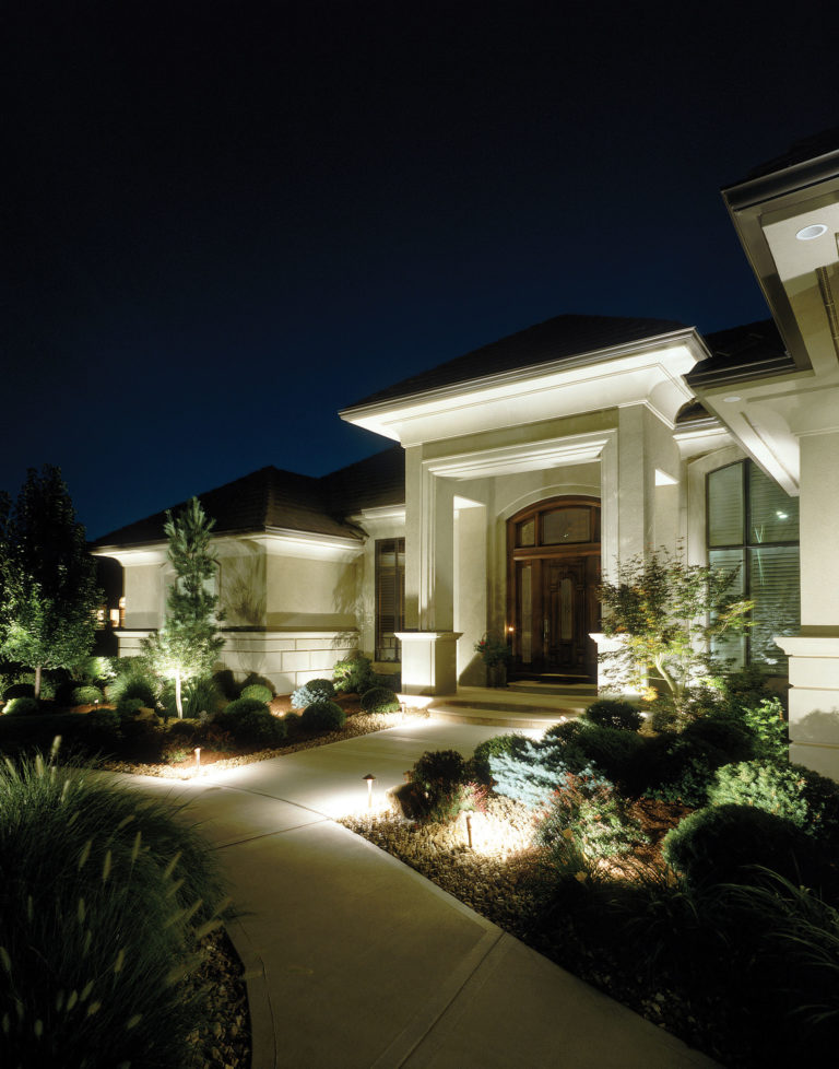 thinking of selling your clearwater area home outdoor lighting can